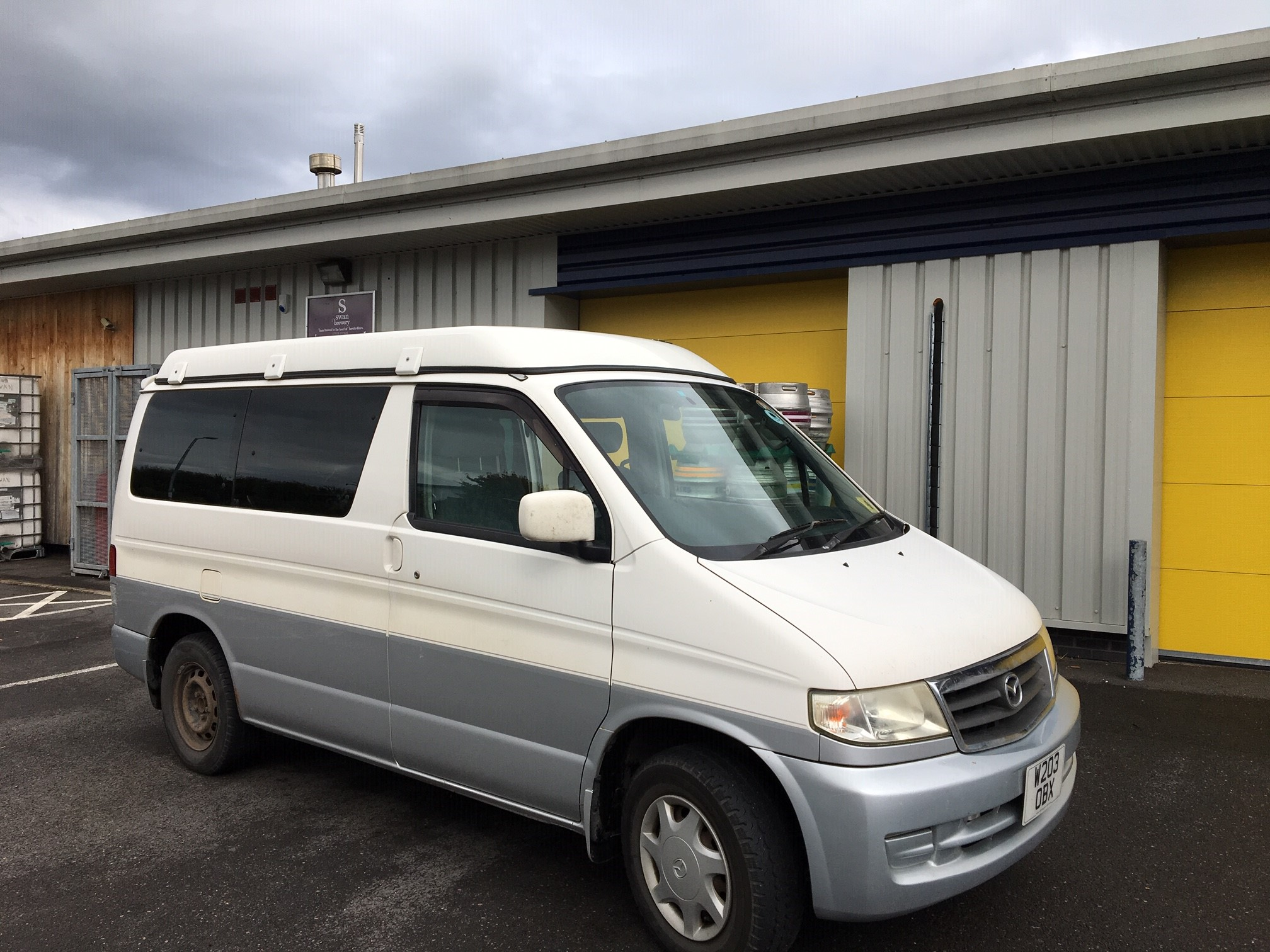 Mazda Bongo and Ford Freda get together