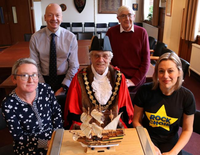 Photo Support:  [L-R] Debbie Watkins (Heritage Manager), Mark Keld (Town Clerk), Bill Moy (Mayor of Droitwich Spa), Helen Jones (Rock Choir), Alex Sinton (Leader of Droitwich Spa Town Council)