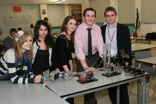 Bromsgrove Advertiser: Year 13 chemistry students, Libby Hopkinson, Minou Miguras, Lucy Ro