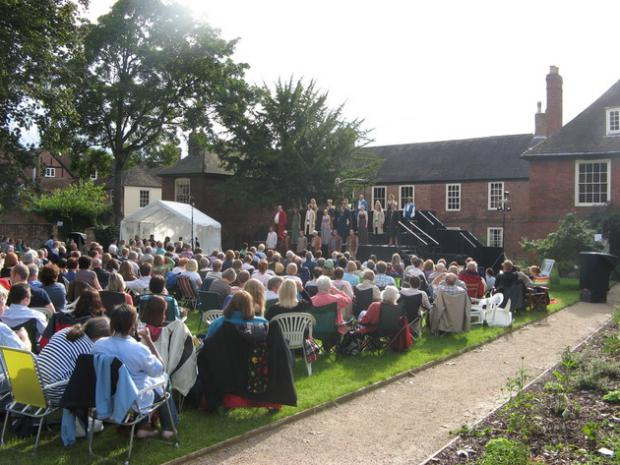 Crowds at last year's performance of a Midsummer Night's Dream