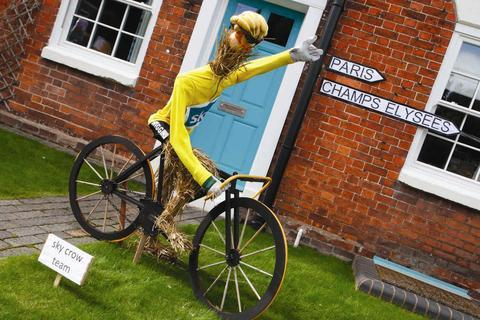 Crow cycling: The Wurzel version of Tour de France winner and Olympic Gold Medalist Bradley Wiggins.