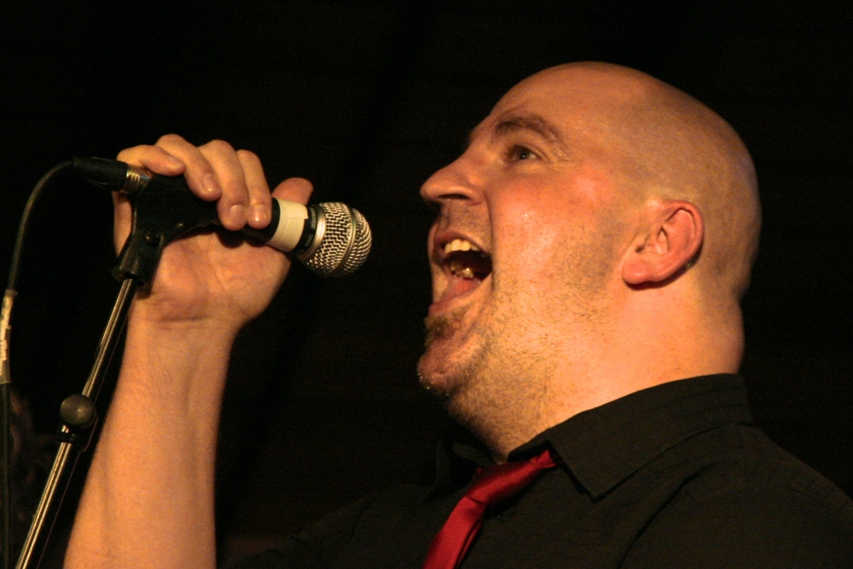 Singin' the blues at the Jinney Ring: Headline act Steve Steinhaus will perform for visitors.