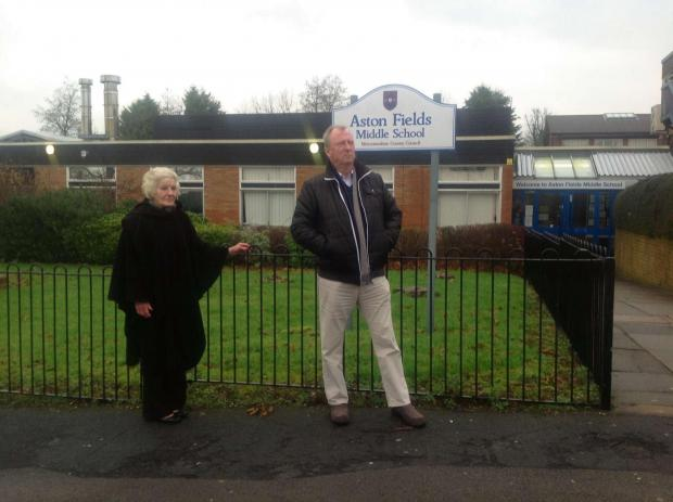 Councillors Caroline Spencer and Rod Laight are calling for traffic calming measures outside Bromsgrove school.