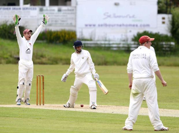 Bromsgrove Advertiser: Bromsgrove CC v Old Hill CC Joe Dodd wicket keeper apealing against Batsman Jared Daniels in the Match Old Hill V Bromsgrove CC. (7180344)