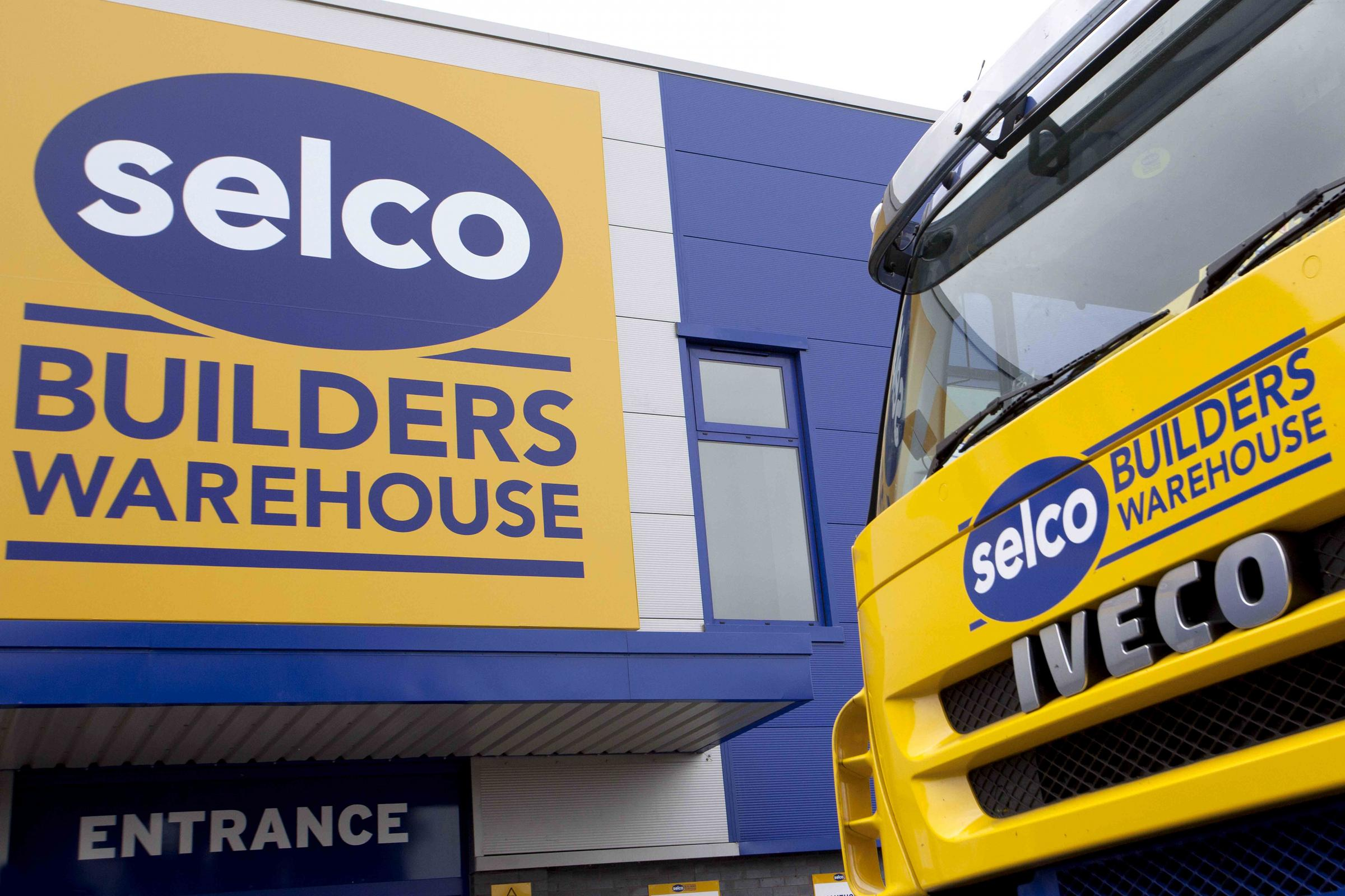 Selco hits half a million for Macmillan Cancer Support