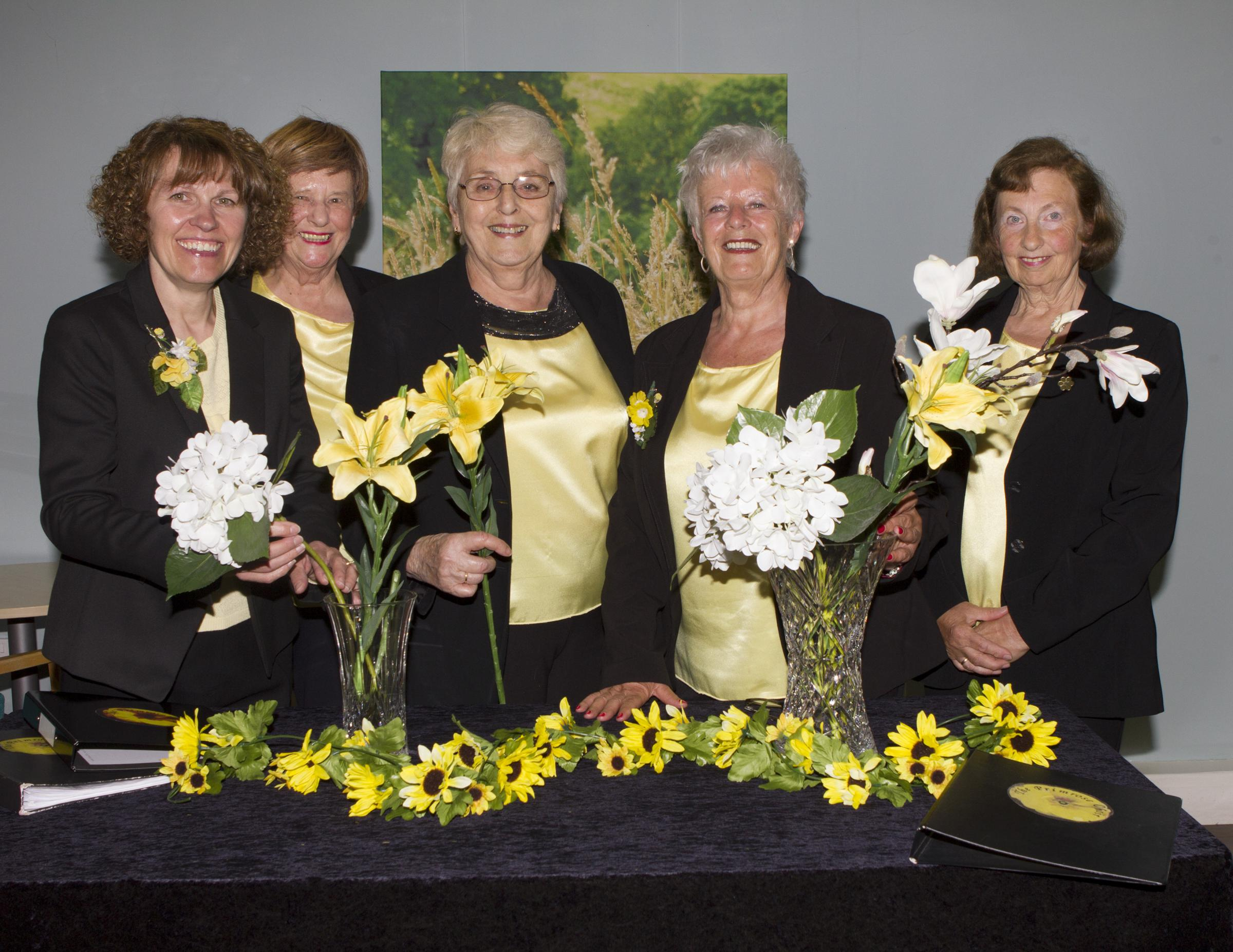 (l-r) Wendy Worthing, Helen Eyre, Kay Hadley (Musical Director), Lyn Fraser and Janet Thay