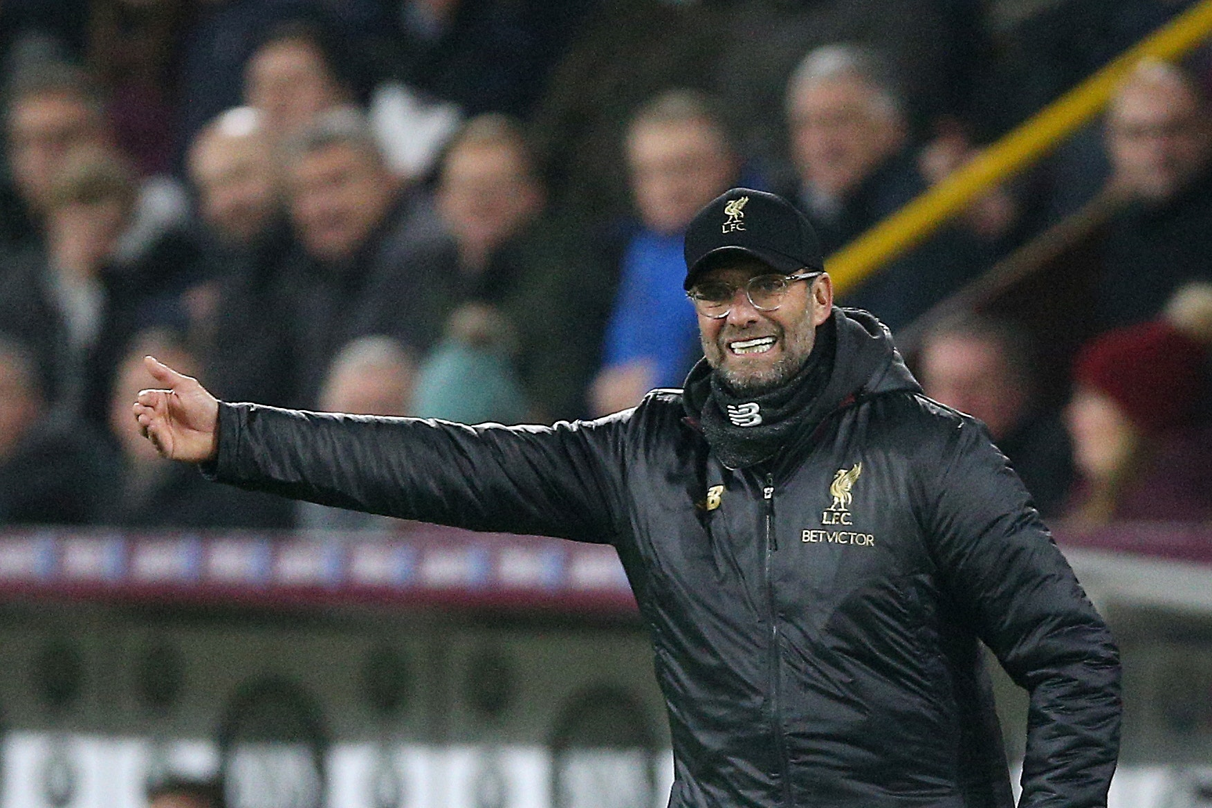 Liverpool manager Jurgen Klopp does not expect Manchester City to buckle under their pressure.